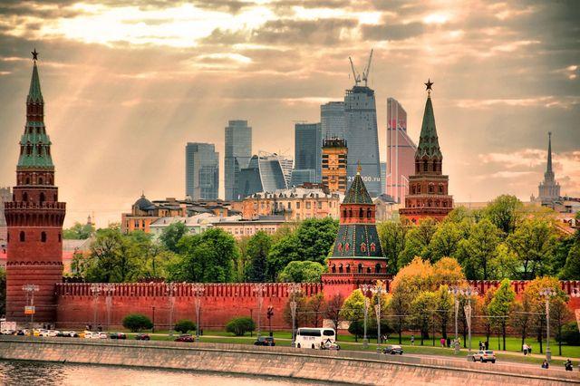 Мода и стереотипы: почему часть россиян видит кругом Россию прошлого россия