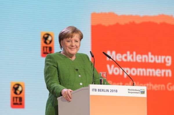 Меркель поддержала позицию Б…