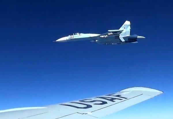 «Что эти русские себе позволяют?»: Американцы о системе РФ, которая выдает свои самолеты на радаре за американские