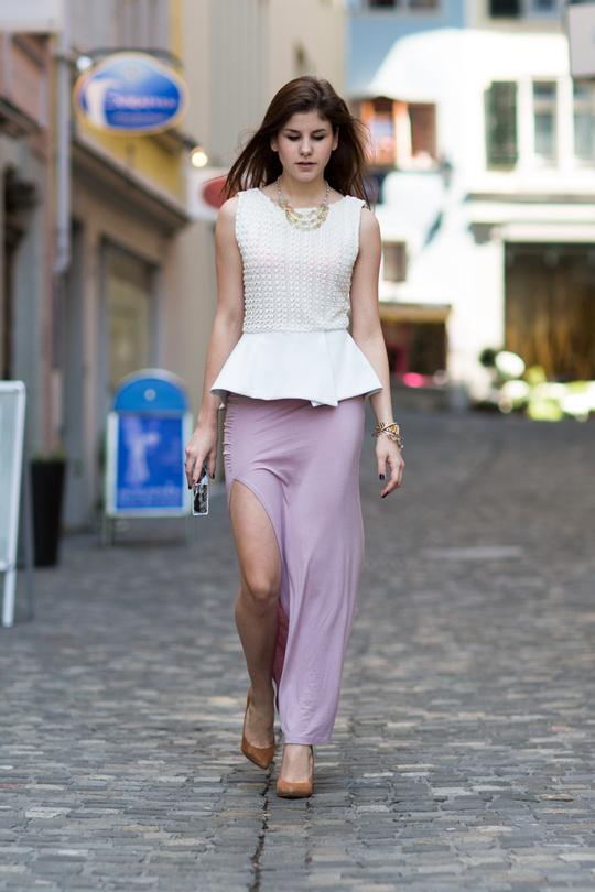 Как носить макси-юбки летом: 10 стритслайл-образов для вдохновения