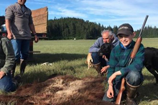 Медведь-убийца напал на 11-летнего мальчика, смотрите сами что было дальше! Эллиот, сказать, очень, животным, диким, столкновения, опасность, новость, совсем, здесь, Медведи, Аляска, местности, отдаленной, довольно, произошло, людейНадо, Кларк, охотниками, отправился
