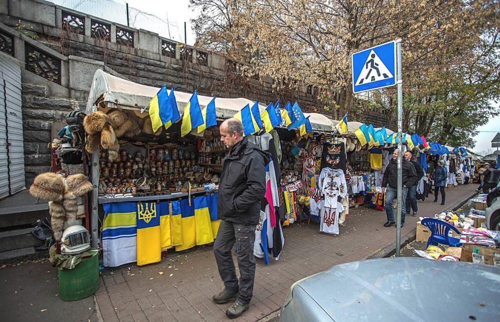 Города опустели: украинцы бе…