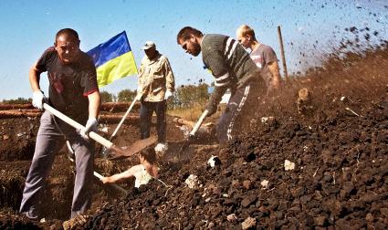 Украинский генерал Лопата предлагает вырыть ров и отрезать Крым