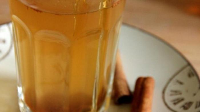 Подруга порекомендовала волшебный напиток, благодаря которому исчезнет жир с живота