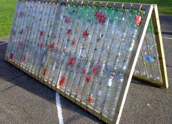 Навес из пластиковых бутылок для дачи