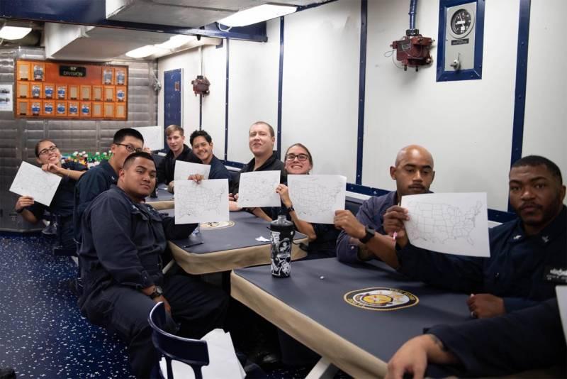 Экипаж эсминца типа «Арли Бёрк» ВМС США опубликовал неожиданные фото армия