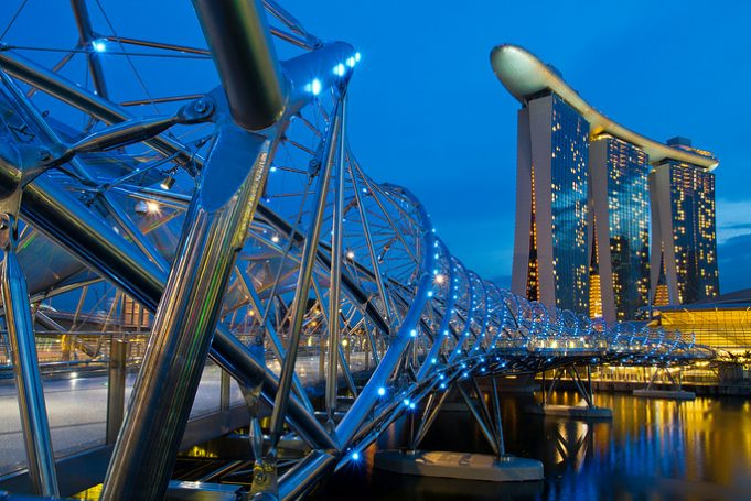 Самые удивительные мосты из разных стран мира