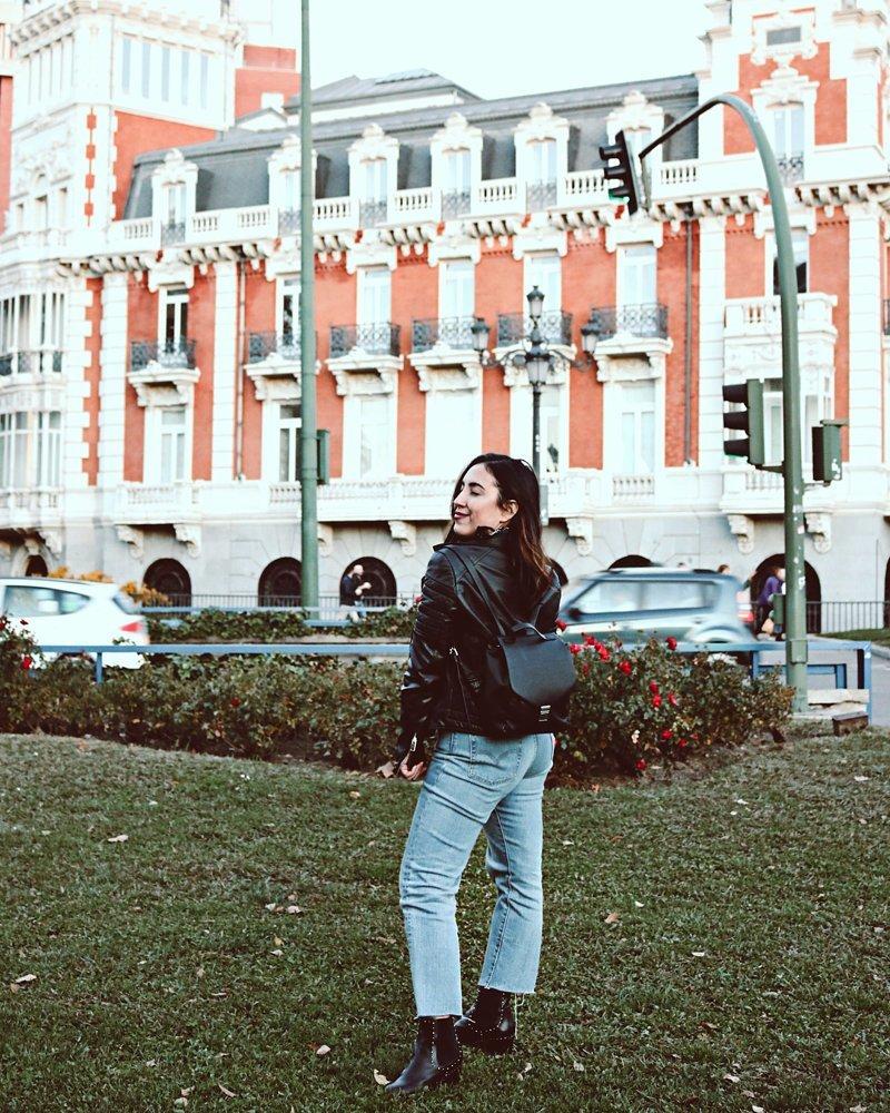 Желая стать Instagram-звездой, девушка влезла в долги на $10 000 Instagram, в мире, долги, звезда, история, люди