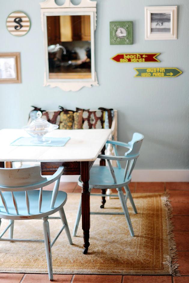 Мебель и предметы интерьера в цветах: голубой, черный, белый, коричневый. Мебель и предметы интерьера в стилях: американский стиль.