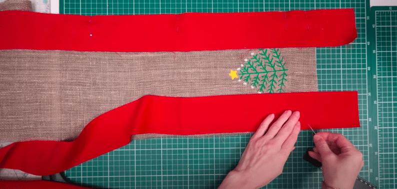 Трансформируем остатки ткани в красивую дорожку на праздничный стол интерьер,переделки,рукоделие,своими руками,сделай сам