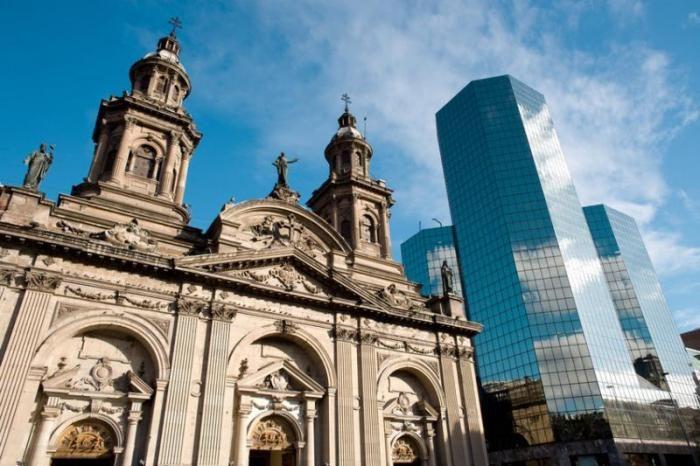 Виртуальная прогулка по столице Чили Сантьяго, кладбище, посещения, Педро, Вальдивии, история, можно, Испании, столицы, удалось, почти, СантаЛусии, ведут, губернатора, тысячи, индейцев, могилы, раскинулась, основателя, ЛаМонеда