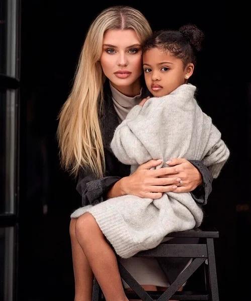 Маленькая дочь российской модели и нигерийского футболиста покорила мир своей красотой celebrities,актриса,Заморские звезды,звезда,красота,фото,шоубиz,шоубиз