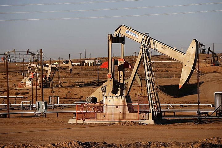 Комитет ОПЕК + рекомендовал увеличить добычу нефти на 1 млн баррелей в сутки