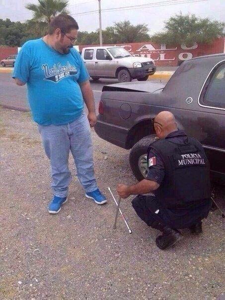 Когда полицейский - человек!