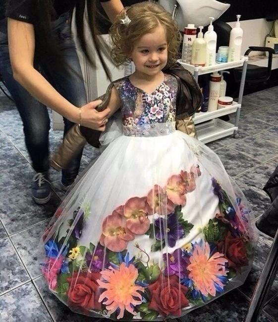 Новогоднее платье с цветами