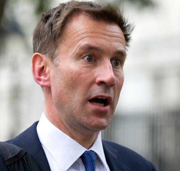 Глава британского МИДа переп…