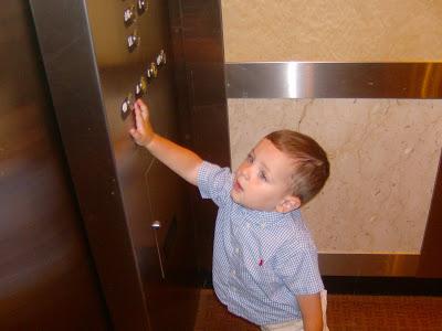 Кирпич в лифте, ничего особенного, просто кирпич история,прикол,юмор