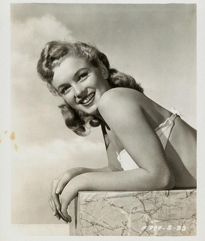 Неопубликованные фотографии Мэрилин Монро, которые показывают звезду до обретения славы