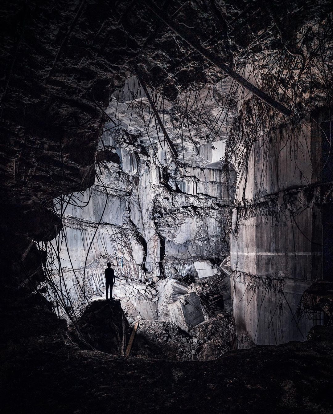 «Тёмная сторона» городов на концептуальных снимках Йеруна ван Дама города,подземка,тревел-фото