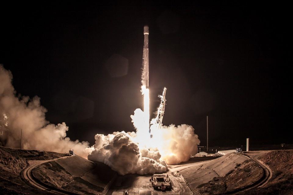 SpaceX рассказала о причине …