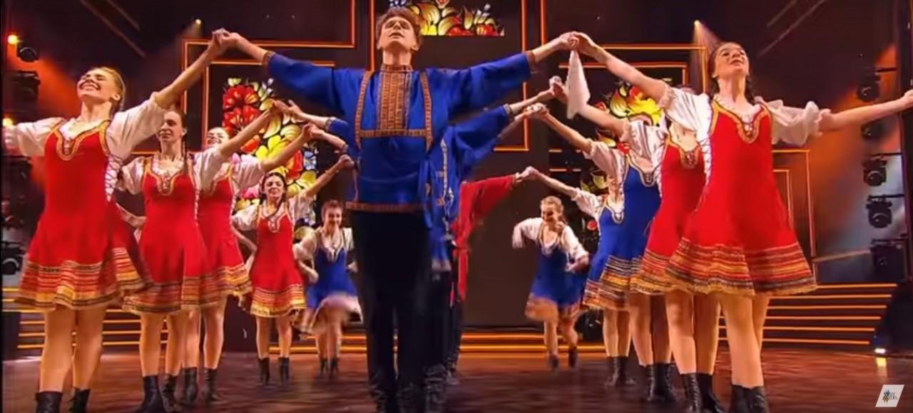 Необыкновенно зрелищный народный танец от талантливых ребят!