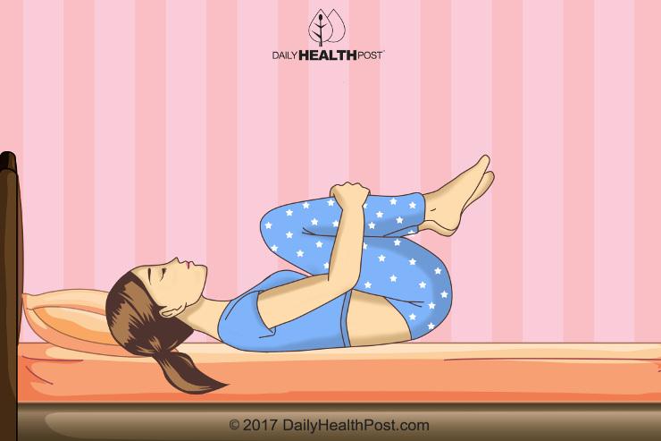4 йоговских упражнения, которые помогут вам спать как младенцы