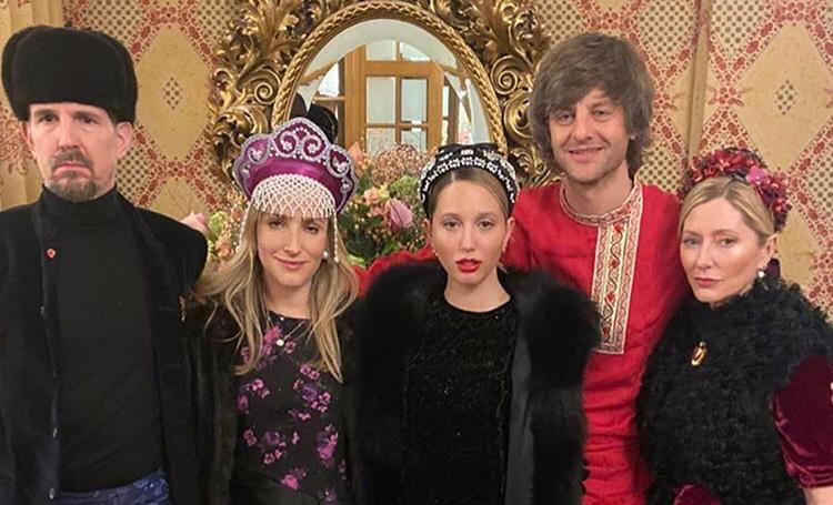 Королевская семья Греции на русской вечеринке в честь свадьбы Даши Жуковой и Ставроса Ниархоса