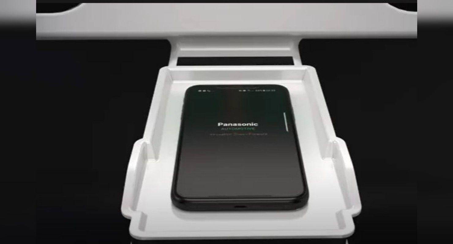Компания Panasonic представила новые беспроводные автомобильные зарядки Технологии