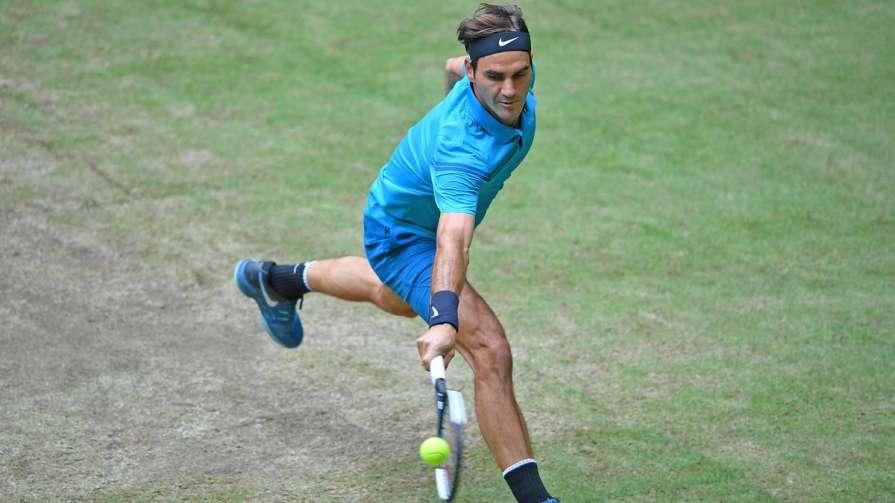 Федерер обыграл теннисистка …