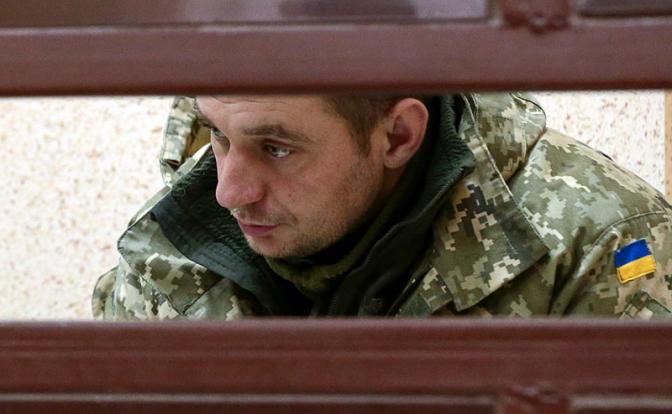 На фото: украинский моряк, капитан 3-го ранга Владимир Лесовой, задержанный с одного из трех кораблей ВМС  в районе Керченского пролива за пересечение государственной границы России