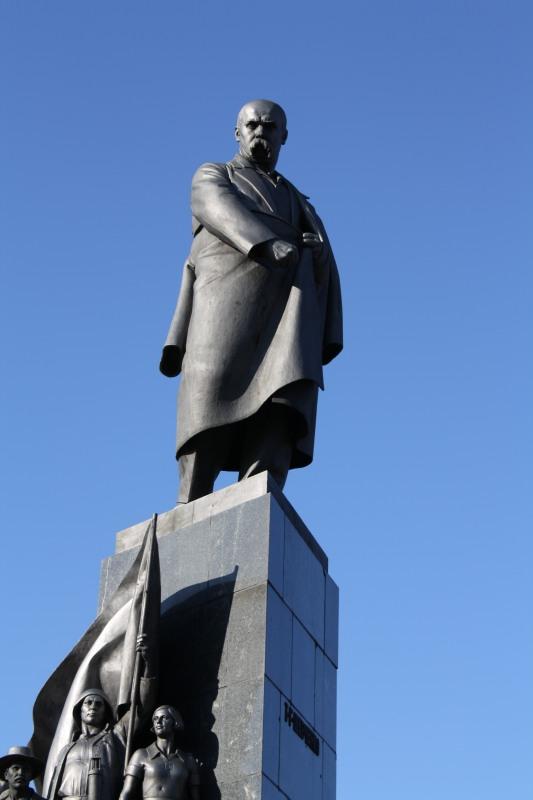 Памятник Т. Г. Шевченко в Харькове