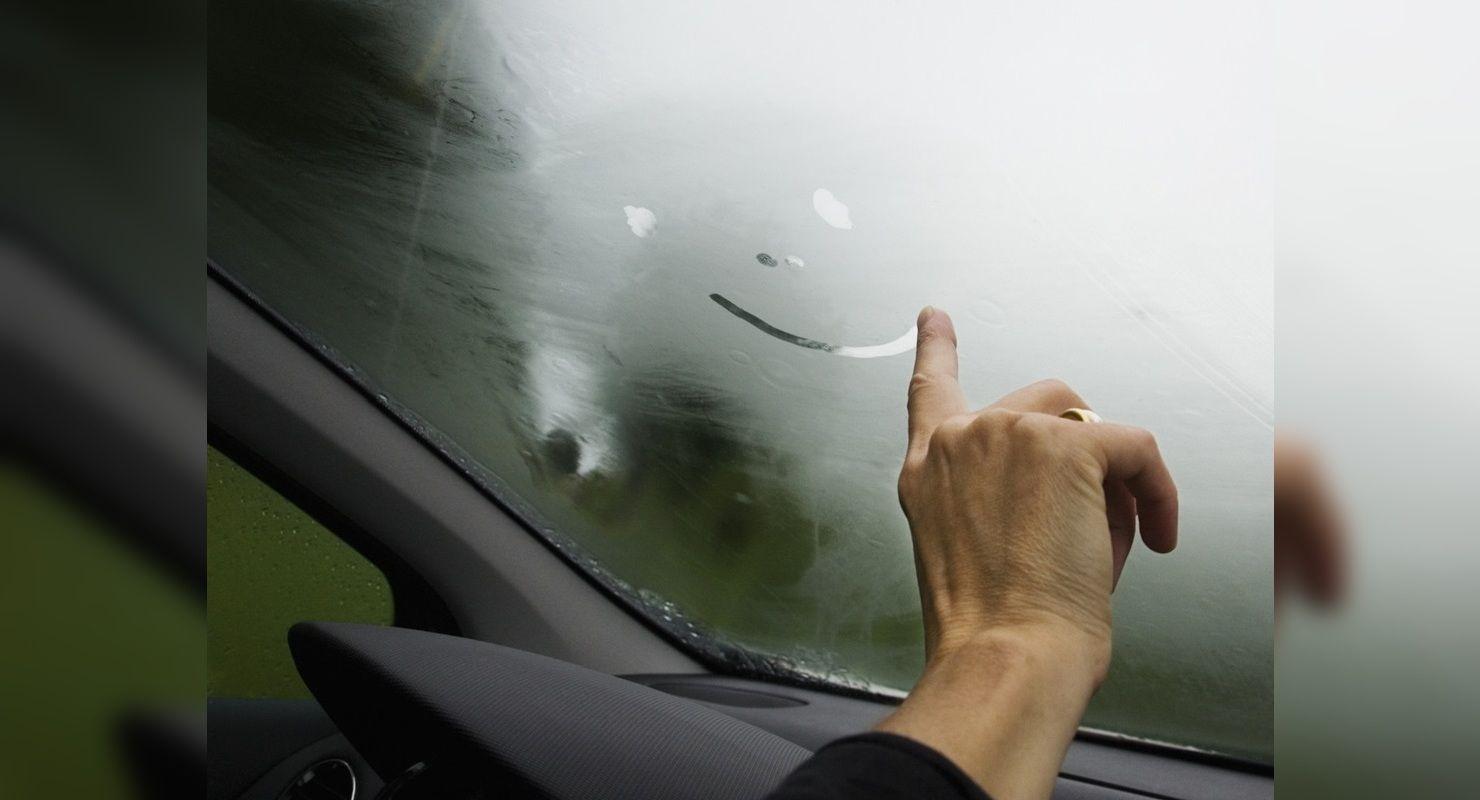 Как быстро и эффективно справиться с запотеванием стёкол в авто Автомобили