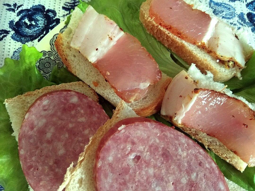 бутерброды с домашней мясной солониной