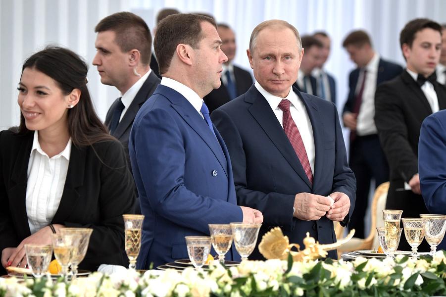 Как Путин разберется с непоп…