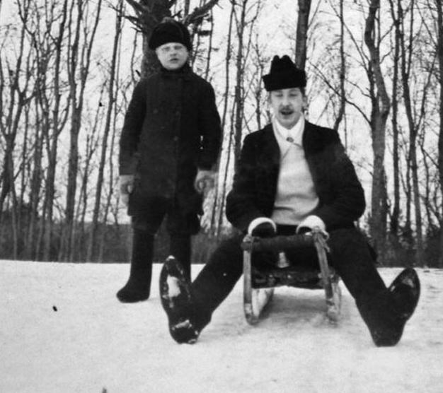Семейные фото повседневной  жизни Санкт-Петербурга конца 1800-х  - начала 1900-х