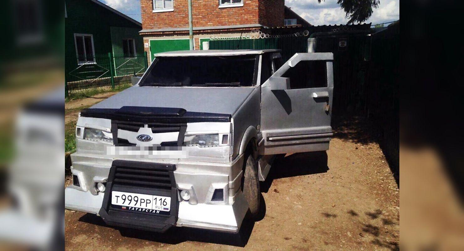 Автомобиль на базе ВАЗ-21099 из дерева показали в Сети Автомобили
