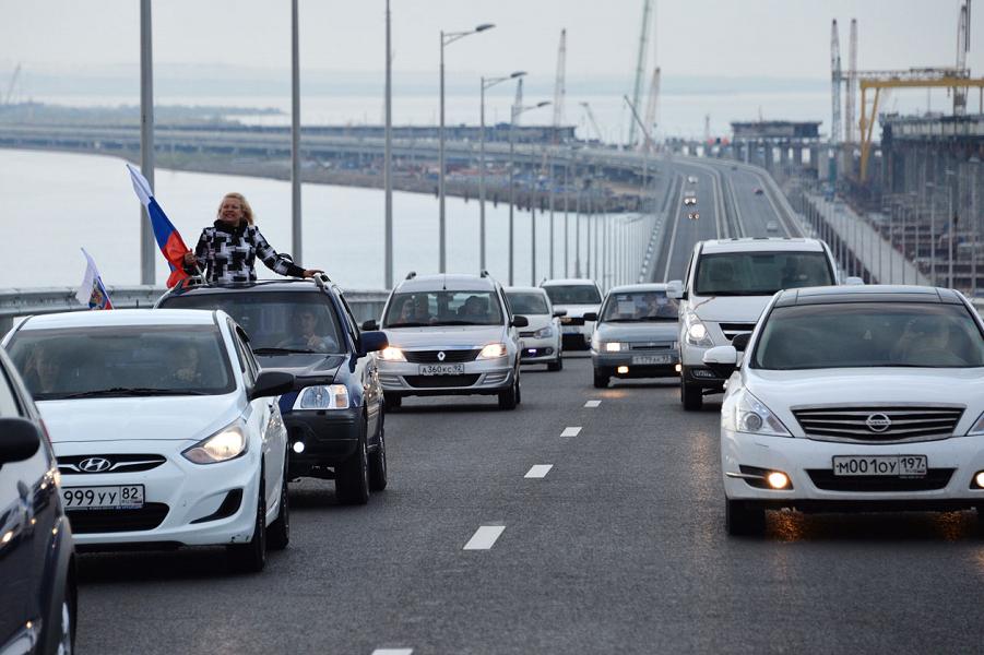 Киев считает убытки из-за Крымского моста. Угрожает взыскать
