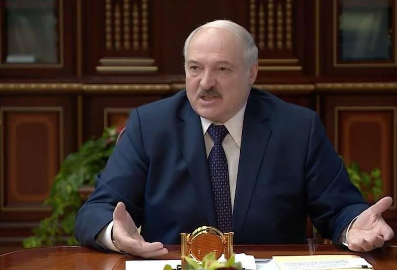 Лукашенко назвал России условия отказа от многовекторности