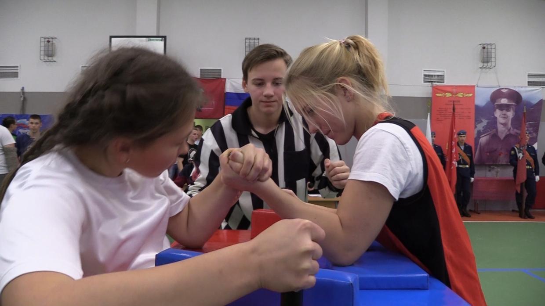 Спортсмен Сергей Бадюк объяснил, нужно ли девочкам заниматься «мужским» спортом Общество