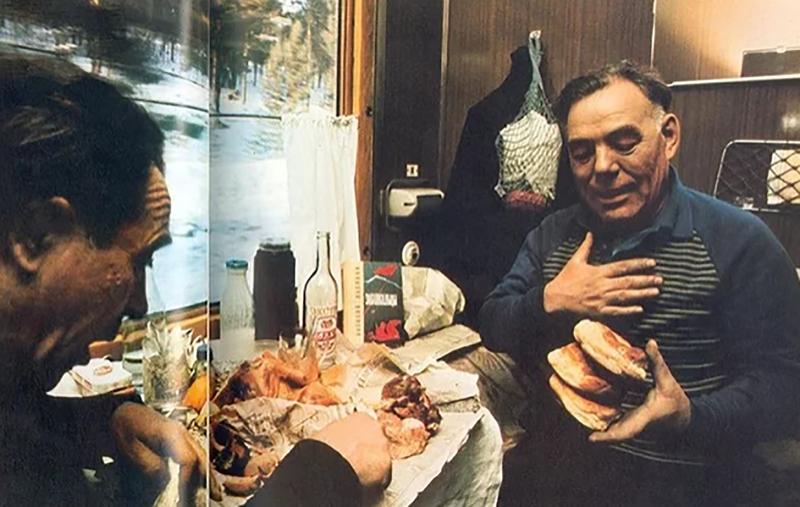 Рацион пассажира плацкартного вагона во времена СССР 80-х видео, еда, плацкарт, поезда