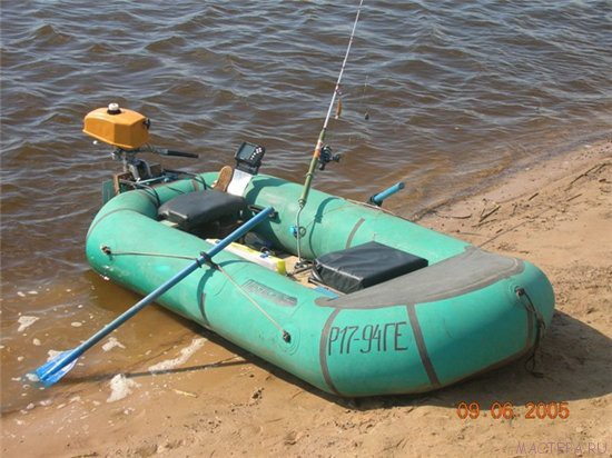 Транец на резиновую лодку.