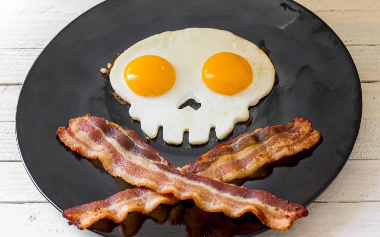 Популярные завтраки, которые вызывают проблемы с желудком, кишечником