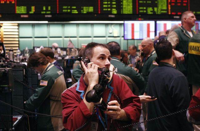 Рынок нефти растет на заявле…