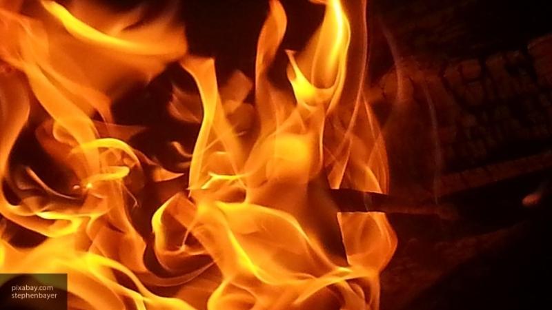 Пожарным удалось ликвидировать открытое горение в грозненском ТЦ, сообщили в МЧС