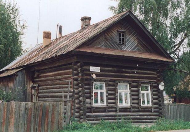 Деревянный дом – холодный, грязный экологически и вообще не для загородного проживания