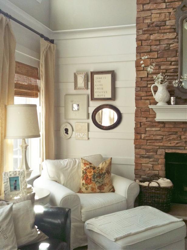 Создать уютный уголок с камином можно даже в небольшом помещении