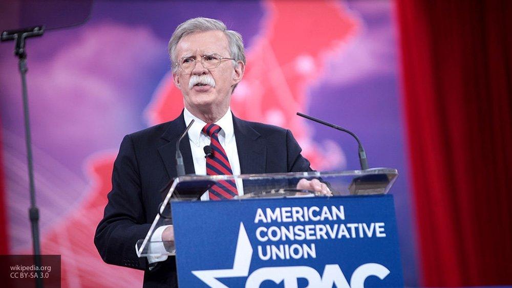 Болтон заявил, что Иран сохранил ядерную программу