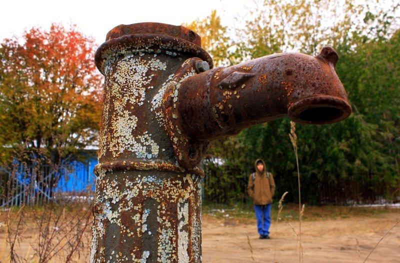 Уходящее прошлое: колонка бювет, водоснабжение, город, колодец, колонка, люди, эстетика
