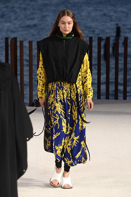 Неделя моды в Нью-Йорке: Джиджи Хадид, Алессандра Амбросио, Барбара Палвин, Эмили Ратажковски на показах