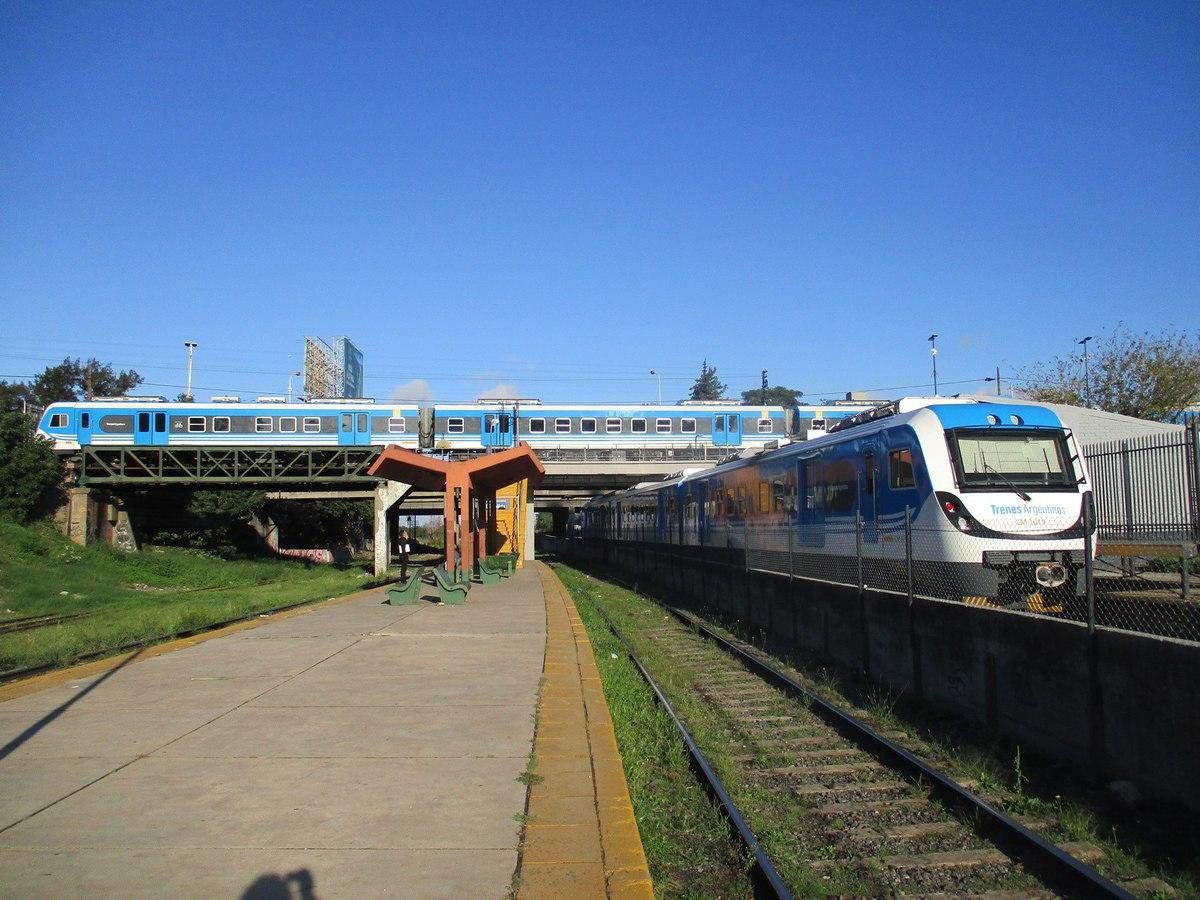 Почему только самый заброшенный вокзал Буэнос-Айреса назван именем столицы